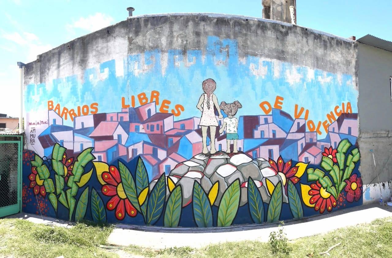 Artistas tucumanas realizaron un mural en pedido de justicia por dos feminicidios de niñas que conmocionaron a la provincia (Foto tomada de La Nota)